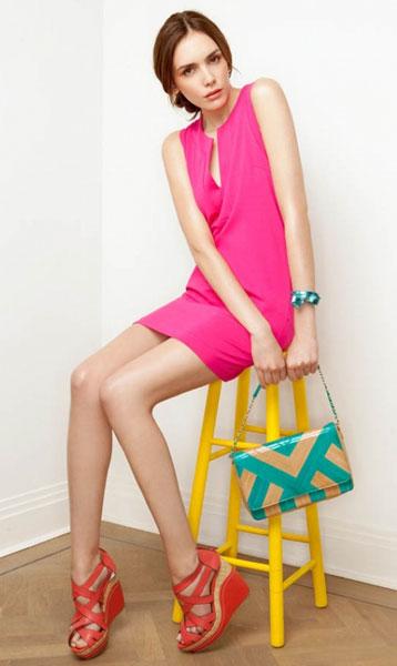 С чем носить розовое платье. Розовый и красный