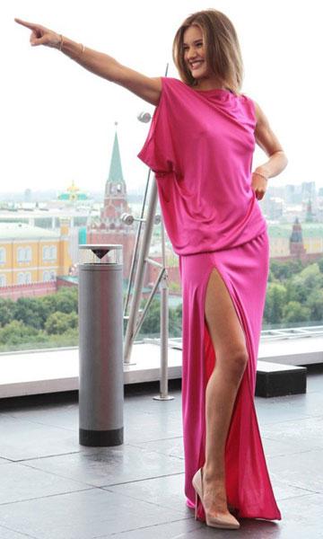 С чем носить розовое платье. Розовый и бежевый