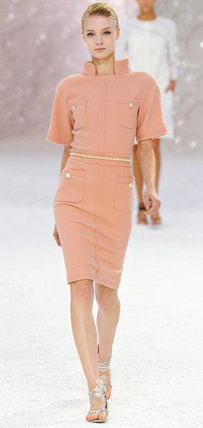 Как и с чем носить шерстяное платье