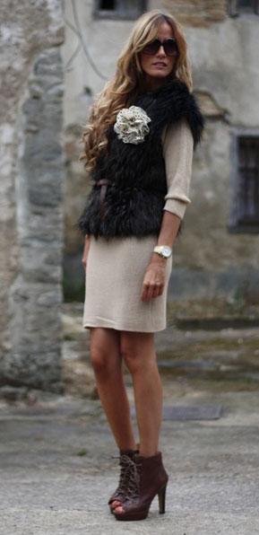 шерстяное платье и меховой жилет