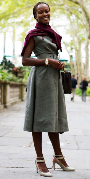 как носить серый вечерний сарафан