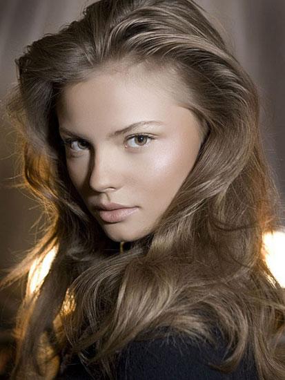 Как подобрать макияж к платью сообразно его цветовой гамме