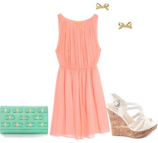 Персиковое платье и мятные аксессуары