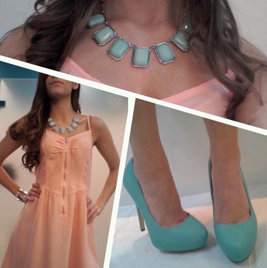 Персиковое платье и бирюзовые аксессуары