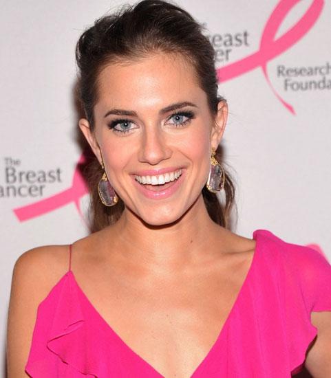 как подобрать макияж к розовому платью