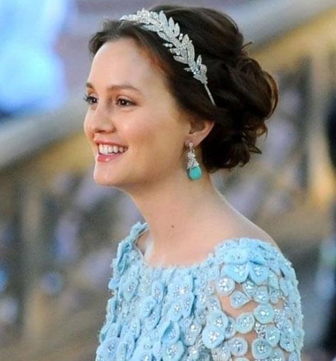 как подобрать макияж под голубое платье