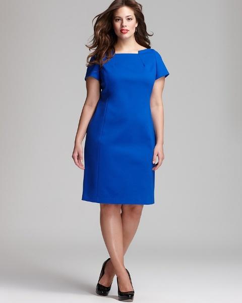 коктейльное платье-футляр для полной женщины