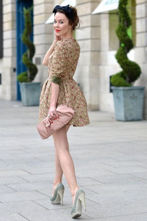 Куда и с чем носить короткие платья