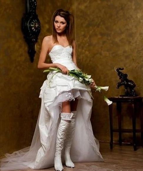 Свадебные платья с чулками