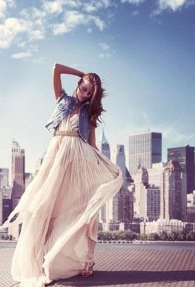 Для делового платья жилет можно