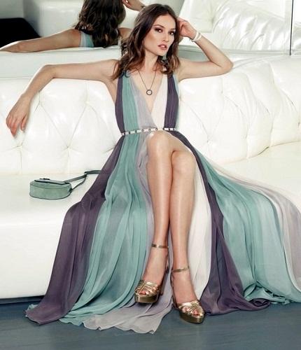 Цвет платья все просто