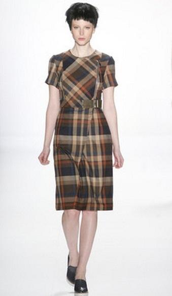 Модные платья из ткани в клетку