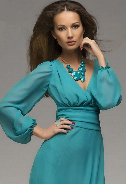 платье бирюзового цвета с чем носить