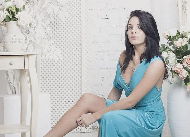 бирюзовое платье с чем носить фото