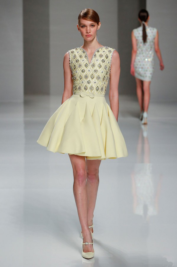 желтые короткие вечерние платья