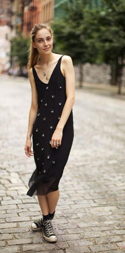 платье с кедами как носить